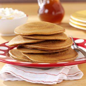 Gingerbread Pancakes with Banana Cream