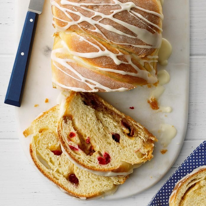 Glazed Cranberry Swirl Loaf Exps Tohca20 39357 E02 26 7b 3