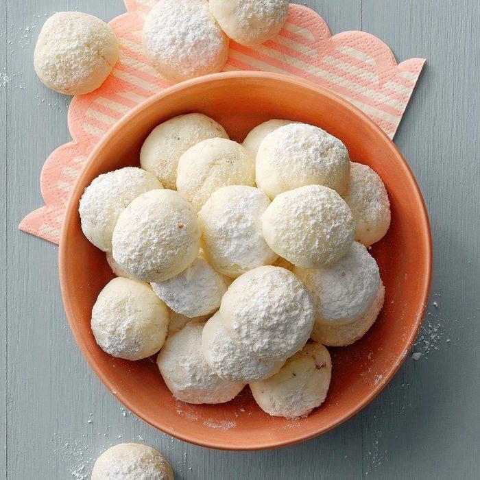 Gluten Free Snowballs Exps Hcbz21 150706 E07 01 4b Stackedimage 1