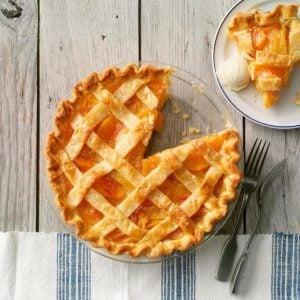 16 Homemade Peach Pie Recipes