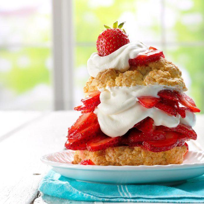 Grandma's Old-Fashioned Strawberry Shortcake
