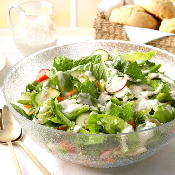 Green Salad with Dill Dressing