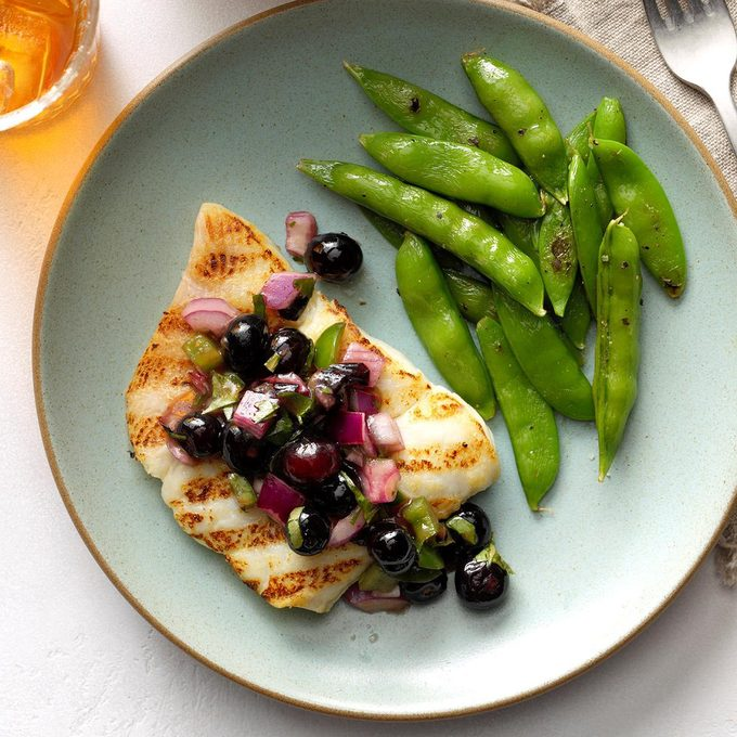 Grilled Halibut With Blueberry Salsa Exps Fttmz19 48169 B03 05 5b Rms 3