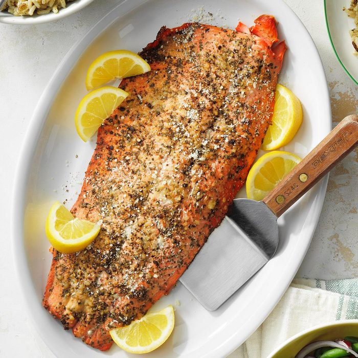 Grilled Salmon Fillet Exps Diyd21 14056 E05 12 10b