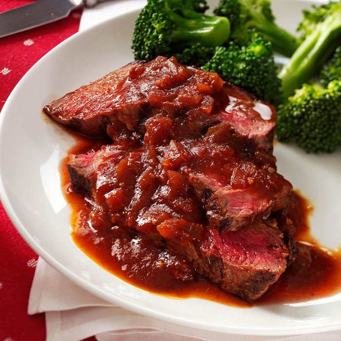 Grilled Sirloin With Chili Beer Barbecue Sauce Exps36555 Sd1999448c02 23 2bc Rms 3