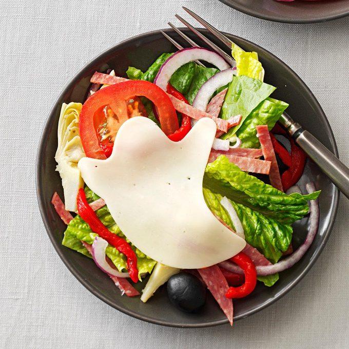 Haunted Antipasto Salad Exps33300 Th132767c05 03 3bc Rms 4