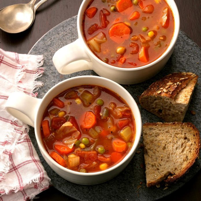 Connecticut: Hearty Vegetable Soup