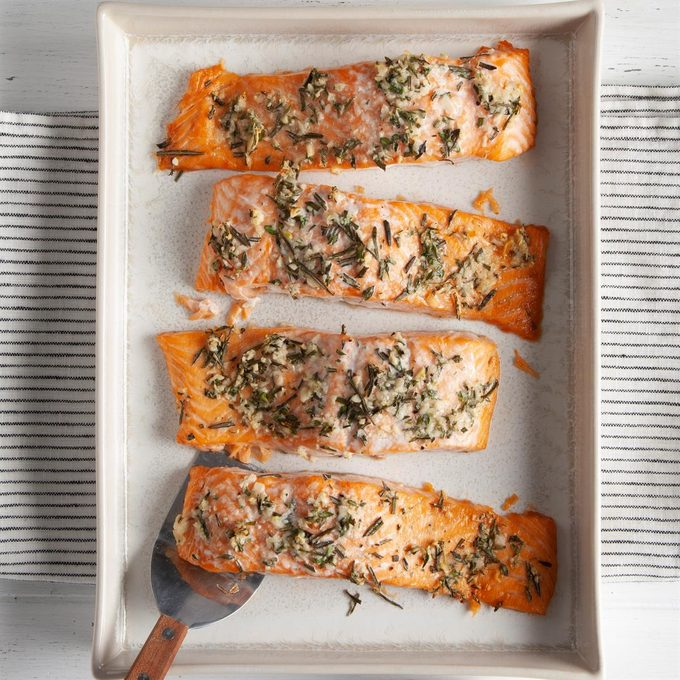 Herb Roasted Salmon Fillets Exps Ft20 164150 F 0812 1 3