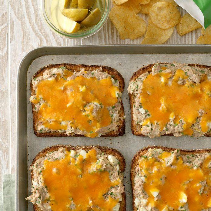 Herbed Tuna Sandwiches Exps Sdam19 35871 C12 12 1b 2