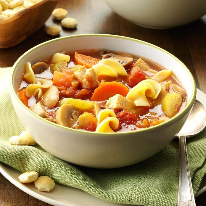 Home Style Chicken Soup Exps28048 Lsc143267d10 01 5bc Rms 2