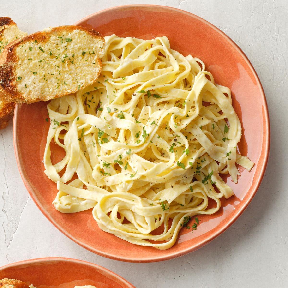 Homemade Fettuccini Alfredo Exps Toham21 21260 B12 02 13b 1