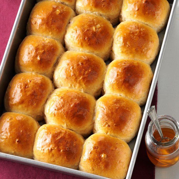 Honey Whole Wheat Rolls Exps Sddj17 7334 D08 05 4b