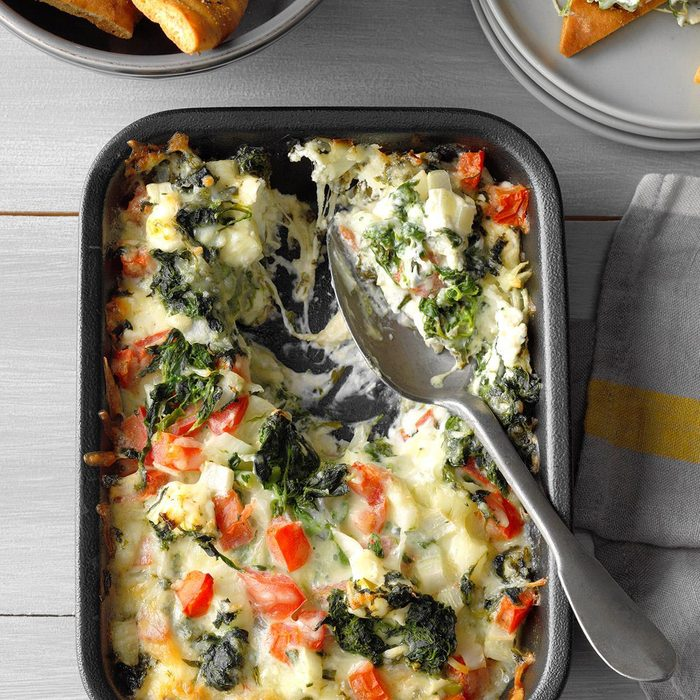 Hot Spinach Spread With Pita Chips Exps Hca19 41248 B04 02 7b