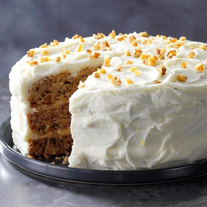 1979: Hummingbird Cake