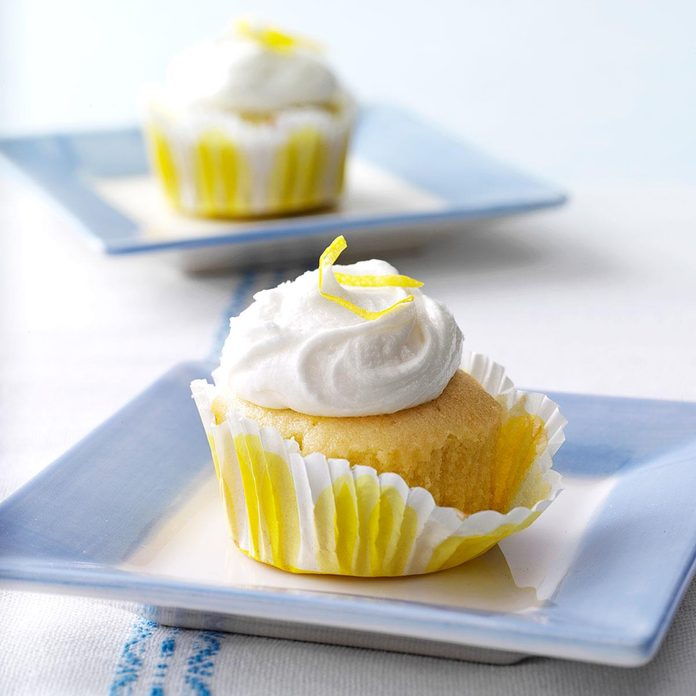 Lemon Cupcakes Exps36502 W101973175b03 25 2bc Rms 2