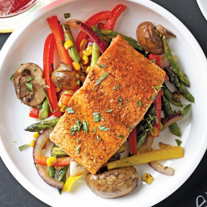 Lemon Lime Salmon With Veggie Saute Exps47386 Th2237243a10 06 1bc Rms 2