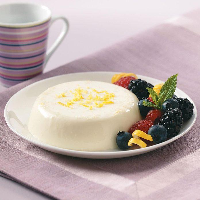 Lemon Panna Cotta With Berries Exps48176 Sd1785603d33b Rms 3
