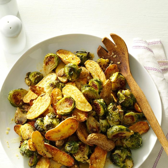 Lemon Roasted Fingerlings And Brussels Sprouts Exps172208 Sd143203d10 15 4bc Rms 9