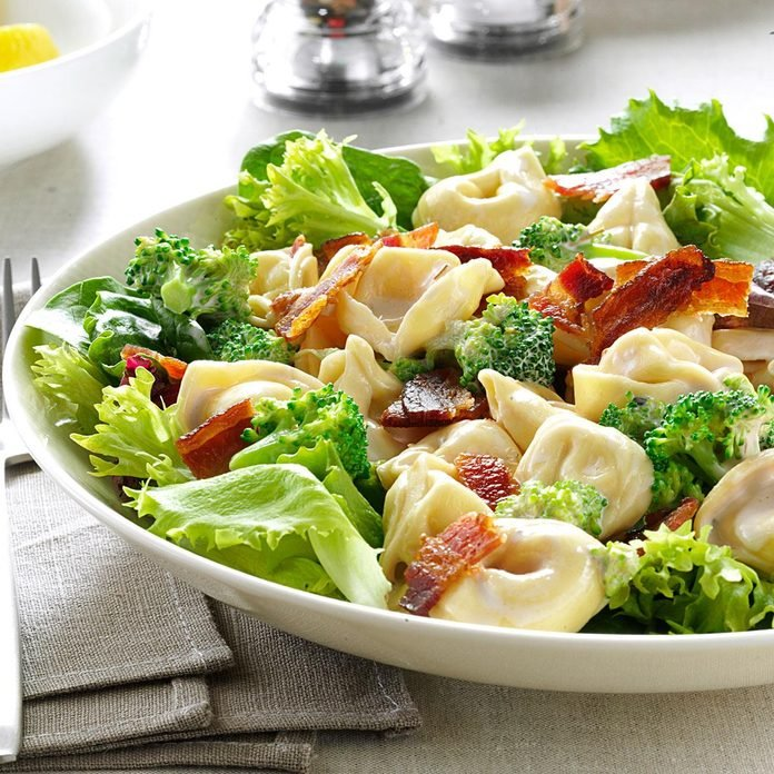 Lemony Tortellini Bacon Salad Exps167570 Sd2847494d02 13 6bc Rms 2