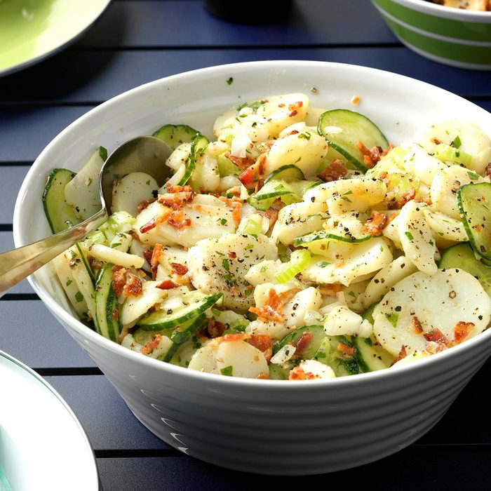 Mama S Warm German Potato Salad Exps Thjj17 164559 D02 03 4b