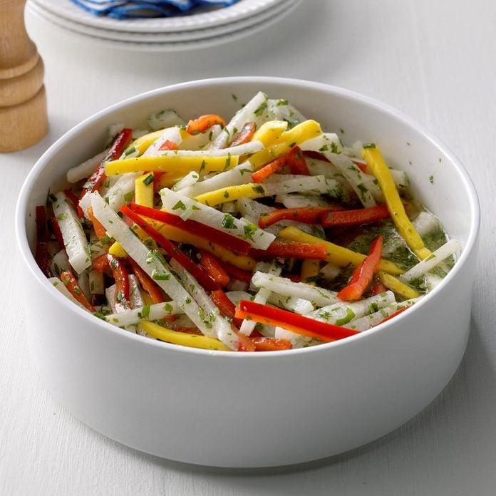 Mango Jicama Salad Exps Sdjj17 200769 B02 16 6b 4