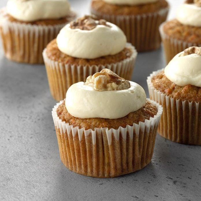 Maple Carrot Cupcakes Exps Hplbz18 12307 C05 17 1b 2