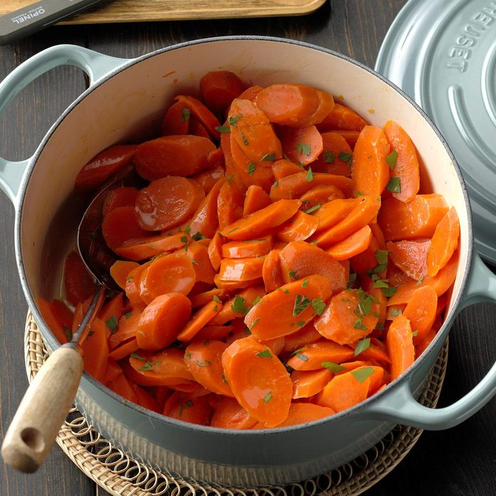 Maple Ginger Glazed Carrots Exps Cimz19 134661 B08 28 1b 6