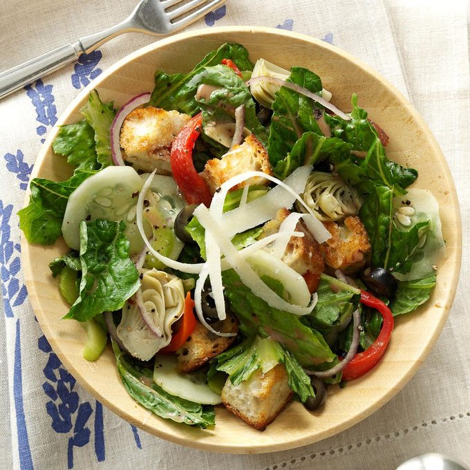 Mediterranean Romaine Salad Exps144689 Th2379797c11 15 4bc Rms
