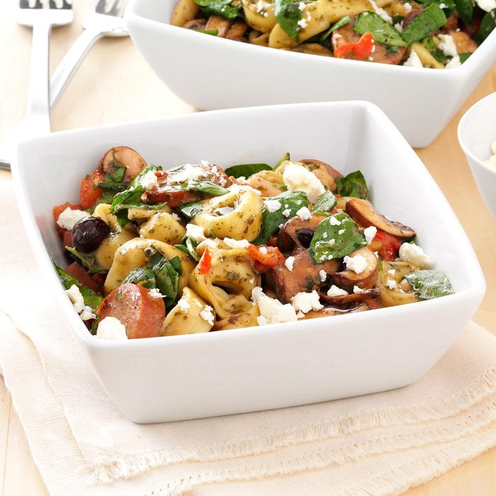 Mediterranean Tortellini Salad Exps156021 Sd132778b04 12 3bc Rms 7