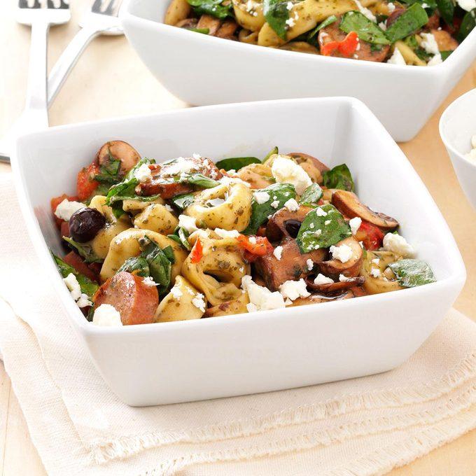 Mediterranean Tortellini Salad Exps156021 Sd132778b04 12 3bc Rms