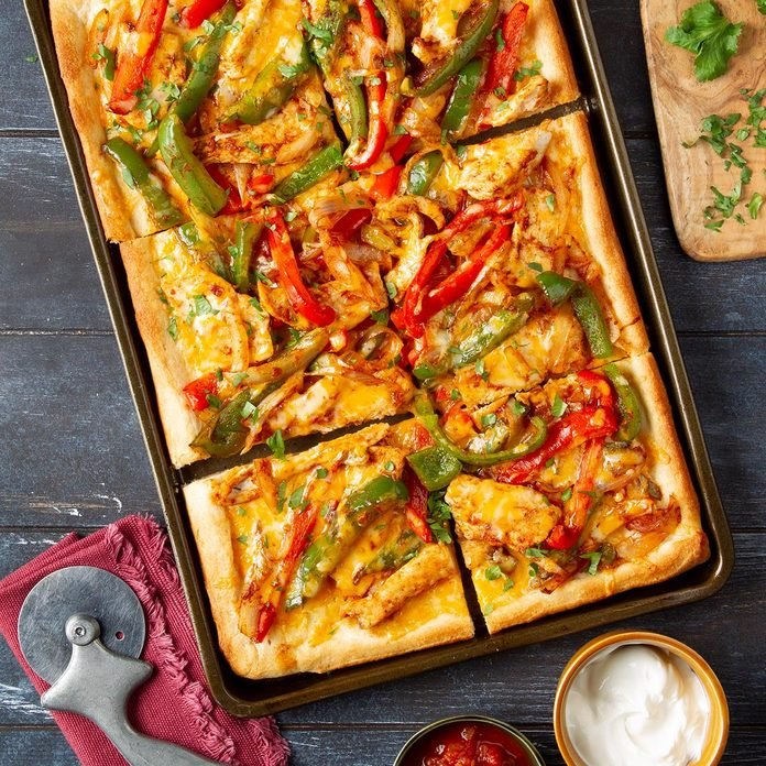 Mexican Chicken Fajita Pizza Exps Ft19 50979 F 1205 1 5