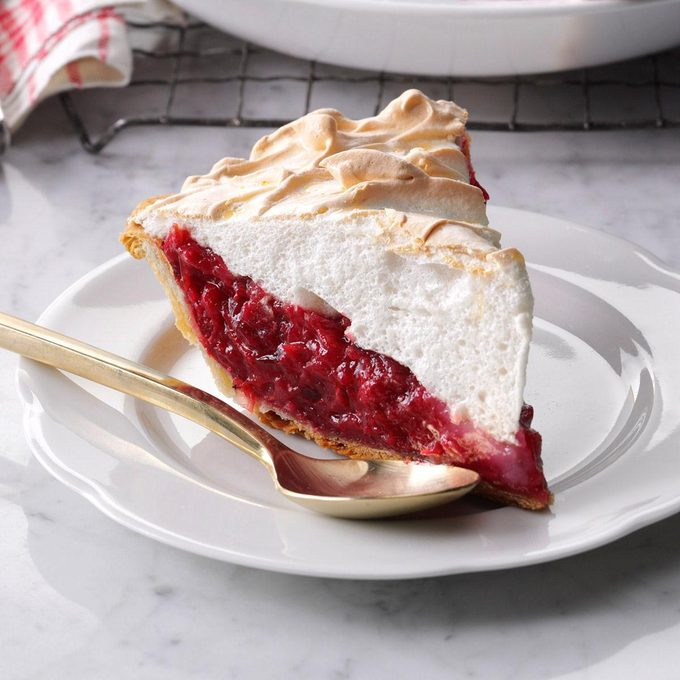 Mile High Cranberry Meringue Pie Exps Thn16 58456 06b 14 4b 1