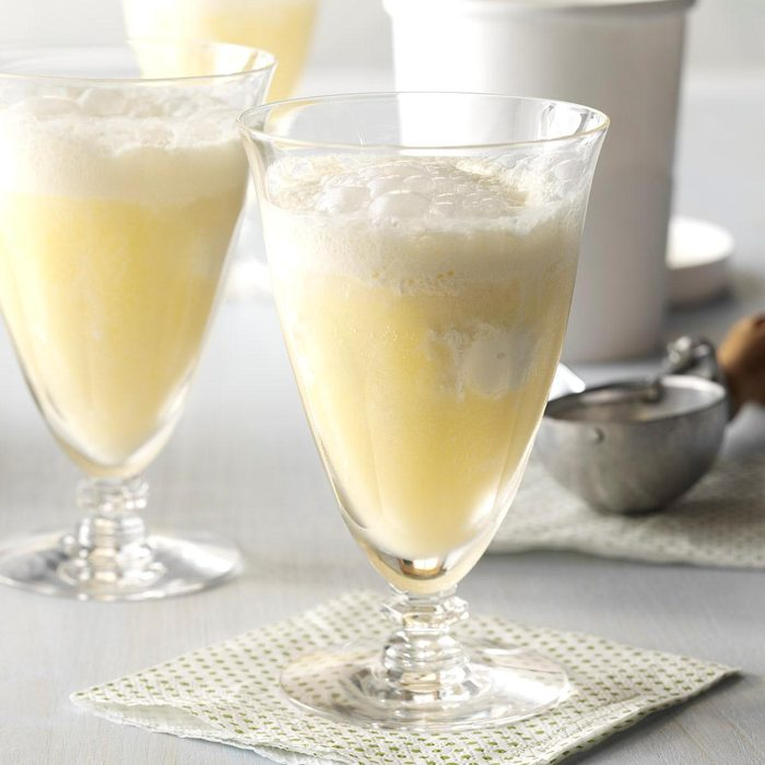 Bright Easter Brunch: Mimosa Floats