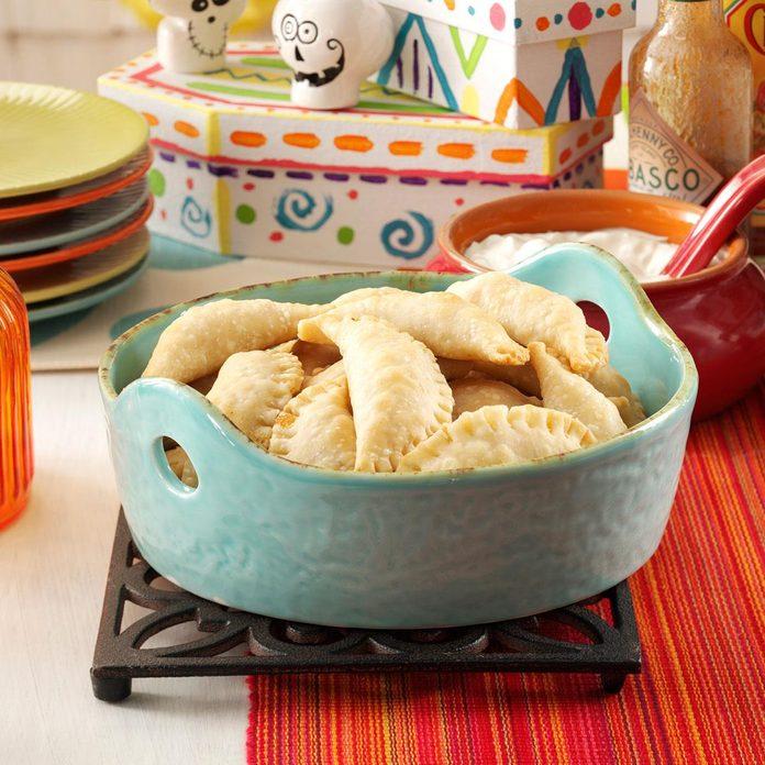 Mini Chicken Empanadas Exps47080 Uh2464847c03 20 2bc Rms 2