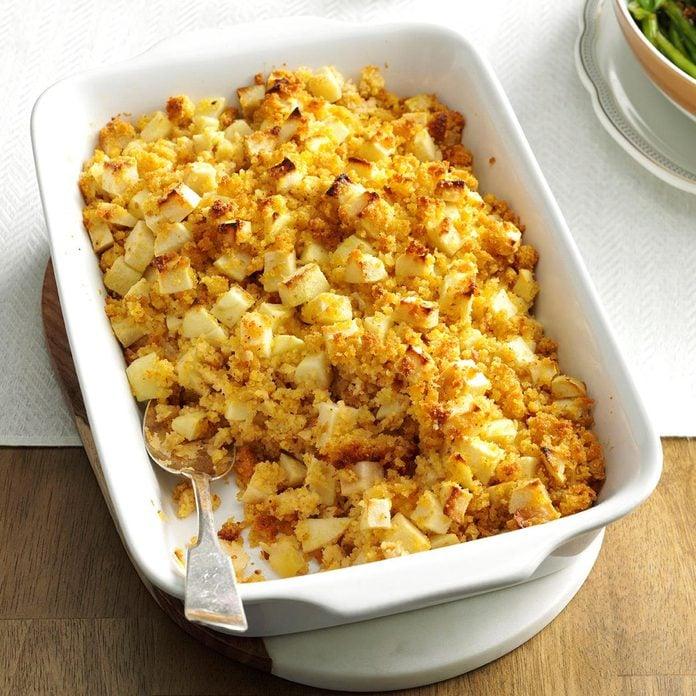 Mom S Apple Corn Bread Stuffing Exps Thn16 192581 06b 23 5b 1