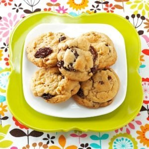 Mom's Soft Raisin Cookies