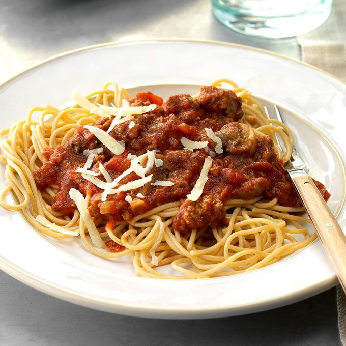 Mushroom Beef Spaghetti Sauce Exps Sscbz18 33151 D09 08  3b 2