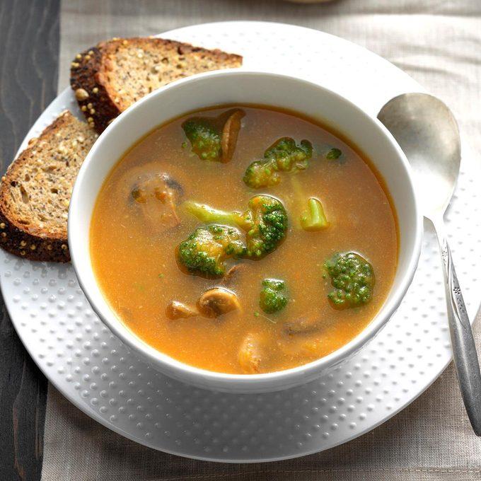 Mushroom Broccoli Soup Exps Hck17 81065 B08 24 1b 3