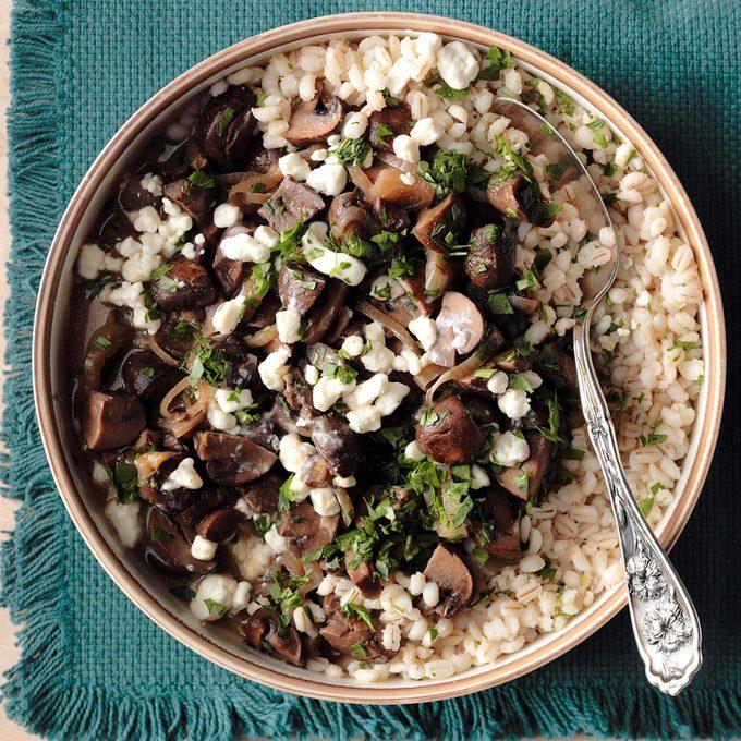 Mushroom Marsala With Barley Exps Thd17 204585 B08 15 9b 9