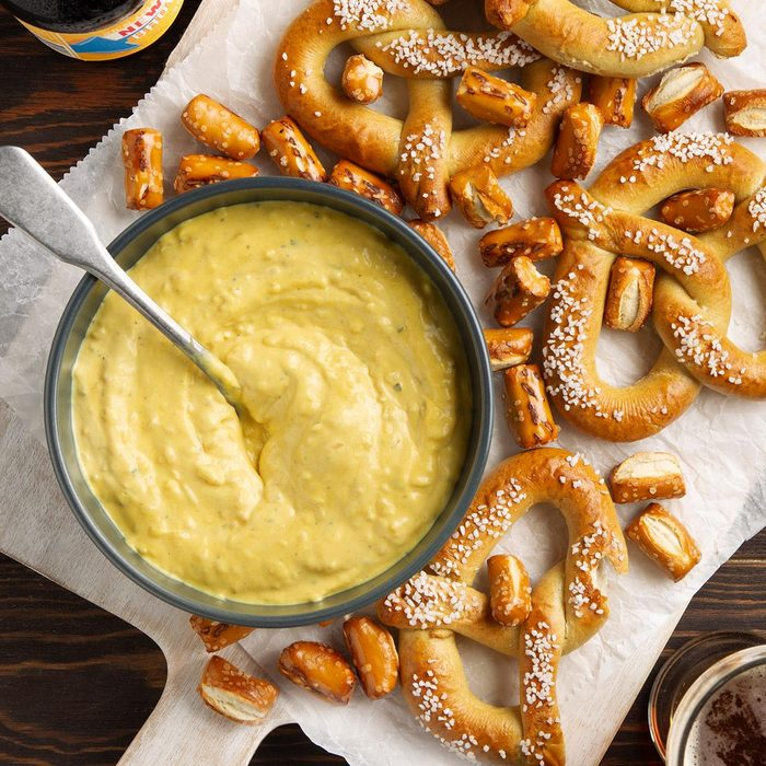 Mustard Pretzel Dip Exps Ft21 31554 F 0721 1 5