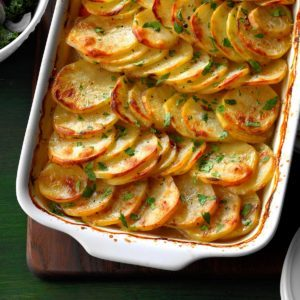 25 Christmas Casserole Recipes to Make in Your 13×9 Pan