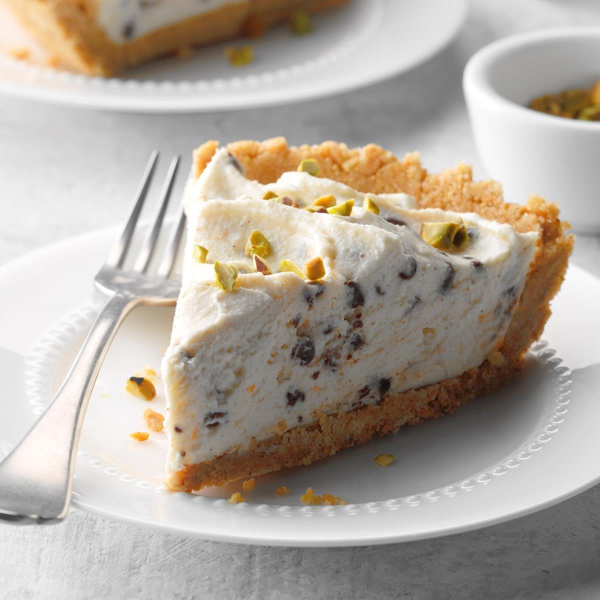 No-Bake Chocolate Chip Cannoli Cheesecake