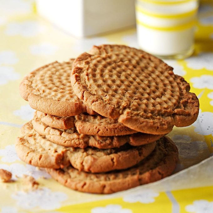 Old Fashioned Peanut Butter Cookies Exps7873 Thcb1914178b12 10 4b Rms