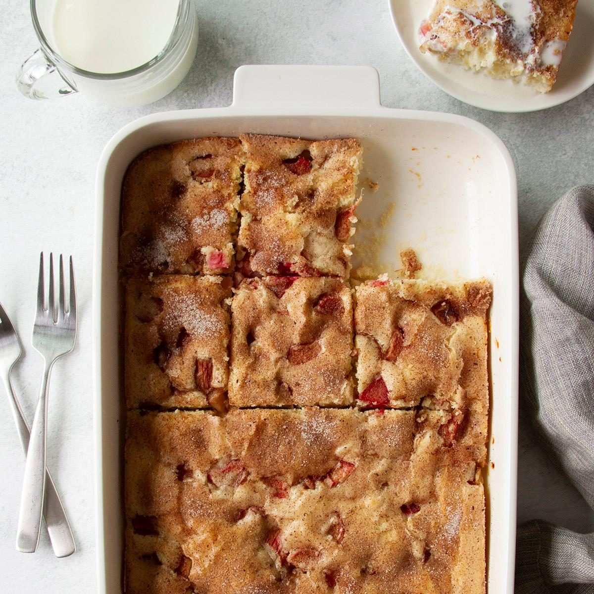 Old Fashioned Rhubarb Cake Exps Ft20 4258 F 0501 1 Home 1