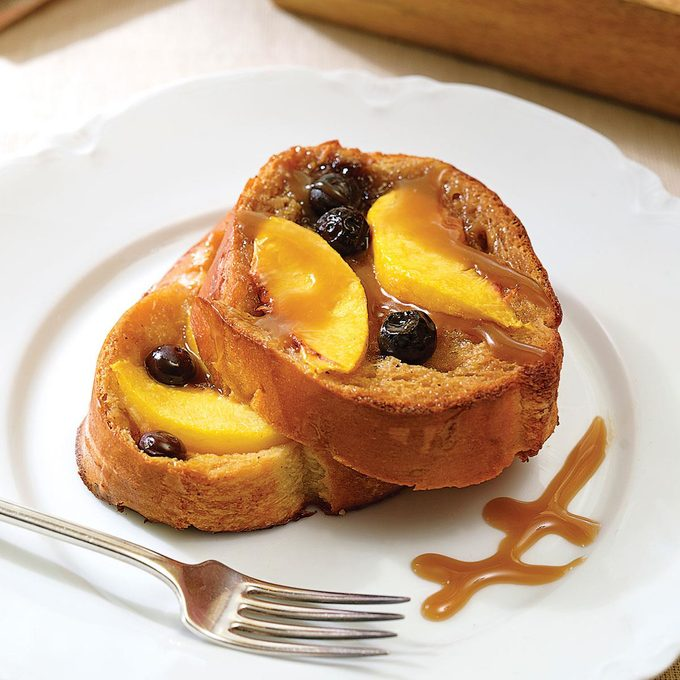 Peach Blueberry French Toast Exps49649 Peach French Toast With Carmel Rms 2