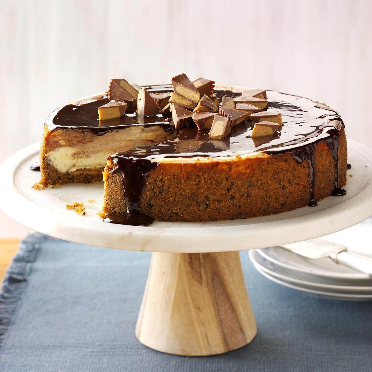 Inspired by: The Cheesecake Factory Reese's Peanut Butter Chocolate Cake Cheesecake