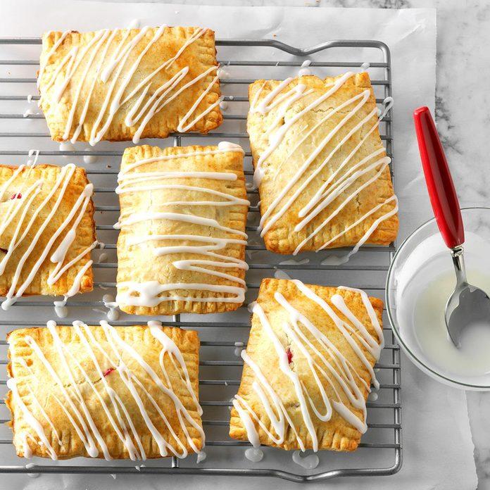 Pear Berry Breakfast Tarts Exps Thso17 118068 D04 18 6b 3