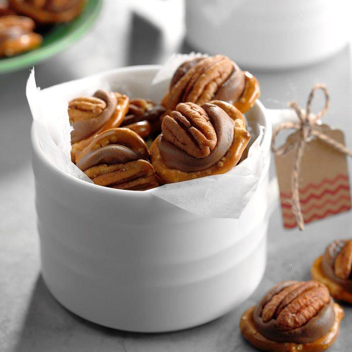 Pecan Caramel Candies Exps Sddj18 24166 B08 03 3b 5