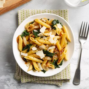 Penne with Kale and Onion