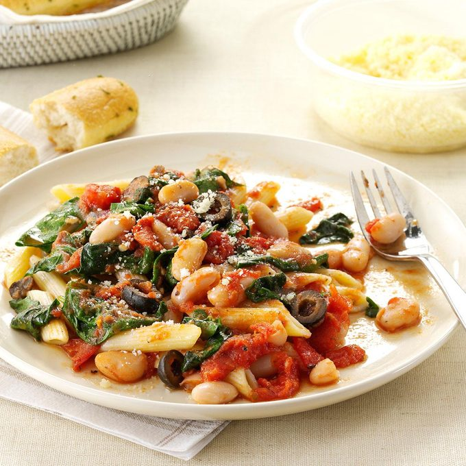 Penne With Tomatoes White Beans Exps140997 Sd143205a01 31 2bc Rms 8